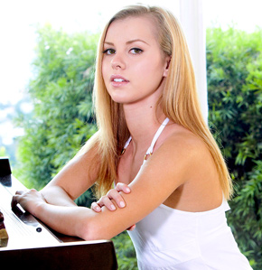 Jessie Rogers - Babes model